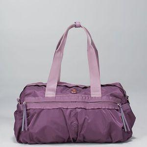 Lululemon Gym to Win duffel bag
